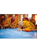 0001_14-dalai-lama-beria-pirmasias-splavoto-smelio-smilteles-pradedama-sudetinga-mandala-c-jo-sventenybes-dalai-lamos-administracija_1611566638-e2807340f9c867fa8582aca48888667f.jpg